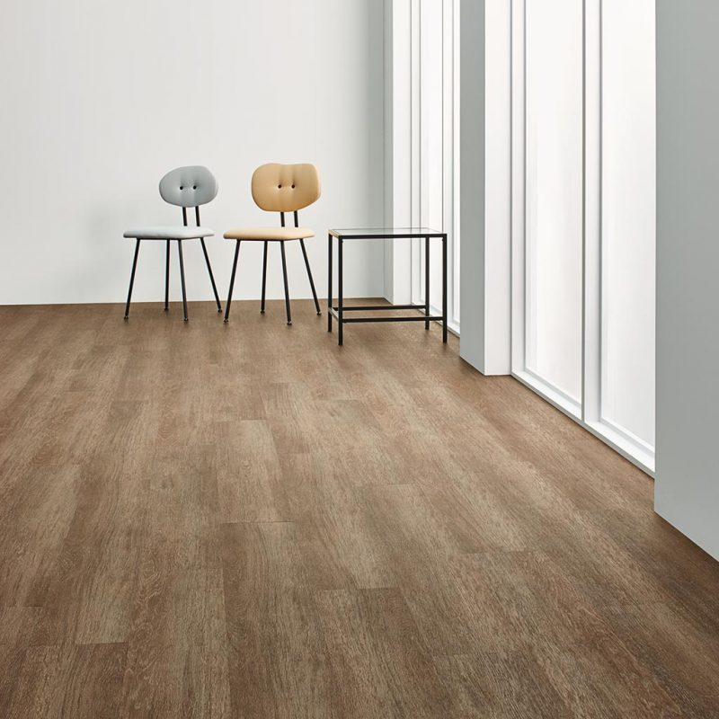 Vinilinės grindys Forbo Enduro Chocolate Oak