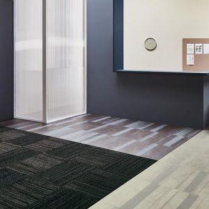 Vinilinės grindys plytelėmis Forbo Allura Material dark fused concrete