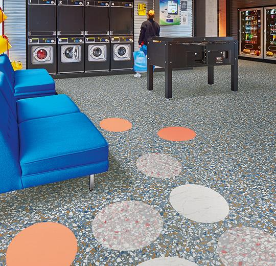 Vinilinės grindys plytelėmis Forbo Allura Material blue terrazzo