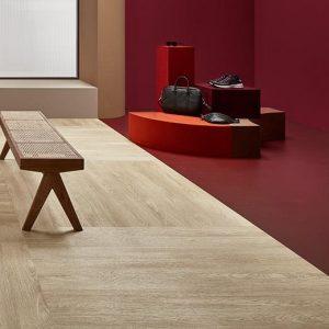 Vinilinės grindys plytelėmis Forbo Allura Material burgundy