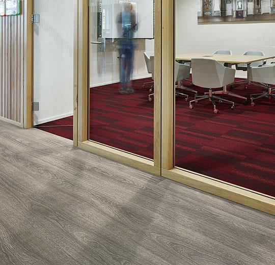 Vinilinės grindys lentelėmis Forbo Allura Wood grey giant oak