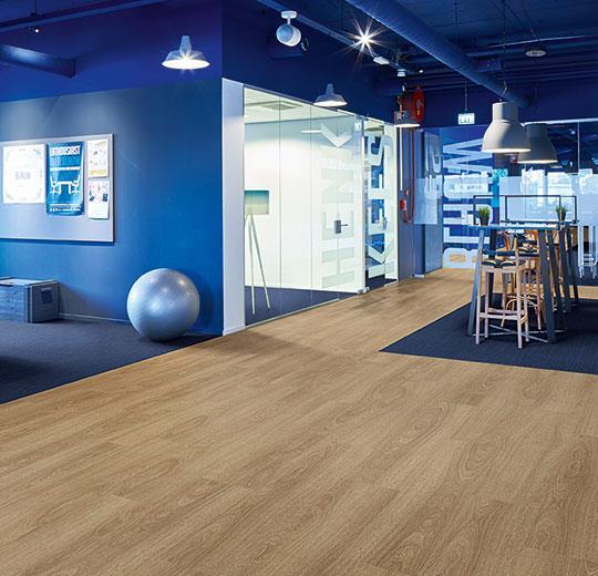 Vinilinės grindys lentelėmis Forbo Allura Ease natural giant oak