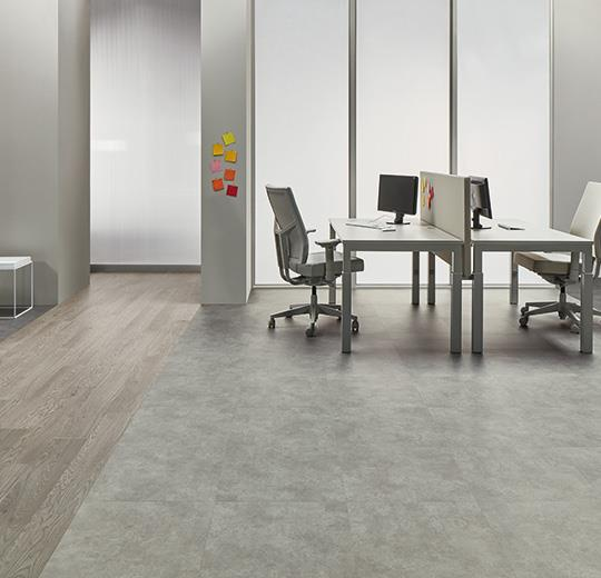 Vinilinės grindys plytelėmis Forbo Allura Ease grigio concrete