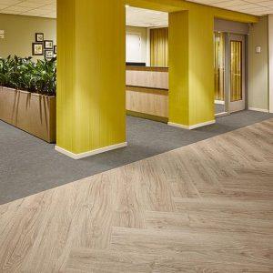 Vinilinės grindys lentelėmis Forbo Allura Click Pro light honey oak