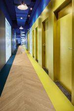Vinilinės grindys plytelėmis Forbo Allura Material mustard