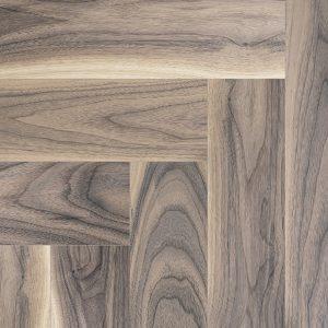Parketlentės COSWICK Herringbone Sunset Amerikietiškas riešutas (storis 19,05 mm)