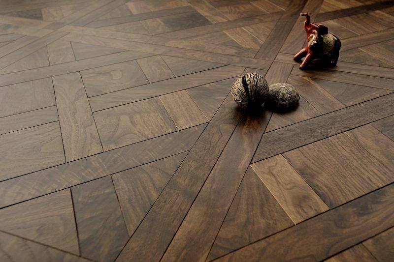 Parketas COSWICK Mosaic Versailles Classic Amerikietiškas riešutas